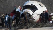 K přistání na smolenském letišti navzdory mlze nutili piloty nadřízení