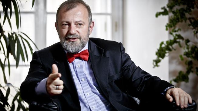 Kariérní diplomat Hynek Kmoníček se pokusil vysvětlit, jak to je se schůzkami prezidentů a vevlyslanců