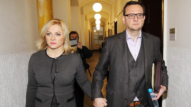 Nařídila sledování Radky Nečasové Jana Nečasová (Nagyová) nebo expremiér?