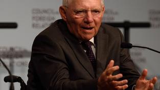 Německý ministr financí Wolfgang Schäuble promlouvá k účastníkům newyorské konference