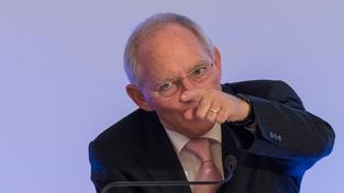 Evropa je připravena pomoci vám do roku 2020, ale hledejte si i další věřitele, vzkázal Řecku německý ministr financí Wolfgang Schaeuble