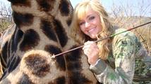 Od zabité žirafy k válce mezi komikem a sportovní lovkyní