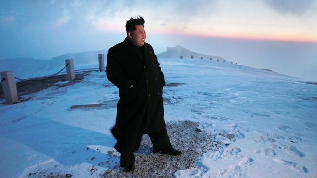 Kim Čong-un údajně vlastními silami vystoupal na nejvyšší horu KLDR