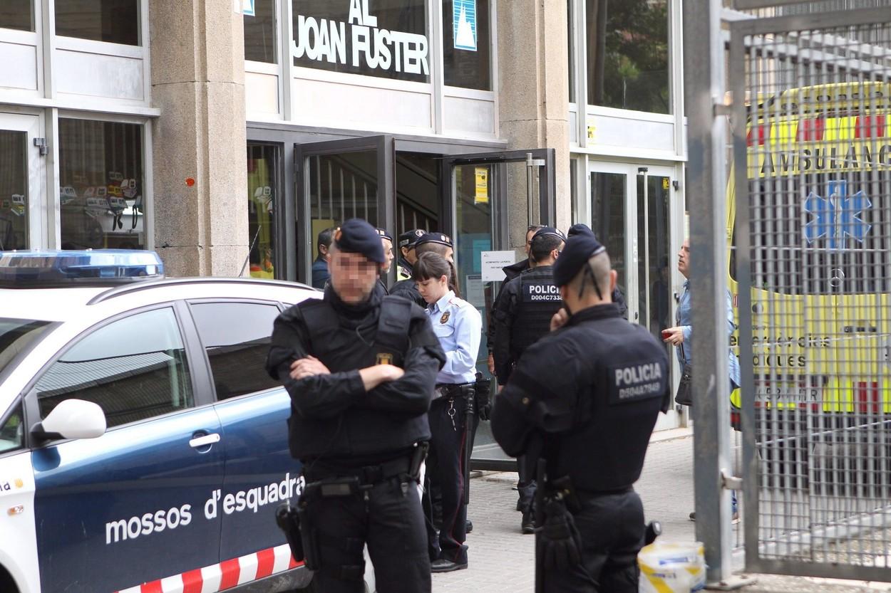 Aktualizováno: Španělský chlapec zabil svého učitele a zranil další čtyři lidi