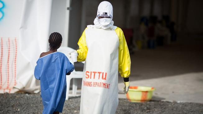 Ebolou se v západní Africe nakazilo 25 tisíc lidí