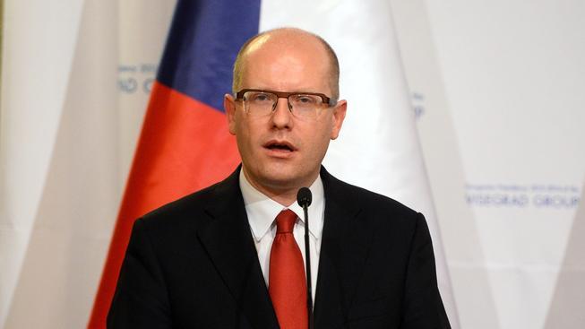 Premiér Bohuslav Sobotka podpořil nároky Česka na naftu uskladněnou v Německu