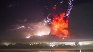 Výbuch sopky vytvořil působivý pohled