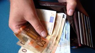 Ilustrační snímek: Někteří čeští politici chtějí o euru rozhodnout do roku 2020