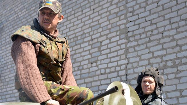 Povstalci u obce Šyrokyne využívají těžkou techniku