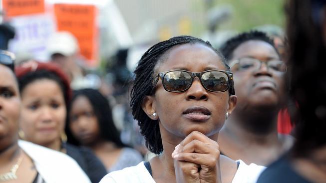 Demonstrace proběhly většinou v klidu a nedošlo k vážnějším střetům s policií