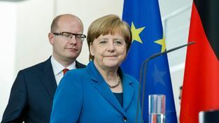 Bohuslav Sobotka se s Angelou Merkelovou shodl na tom, že je potřeba vylepšit železniční spojení mezi Prahou a Berlínem