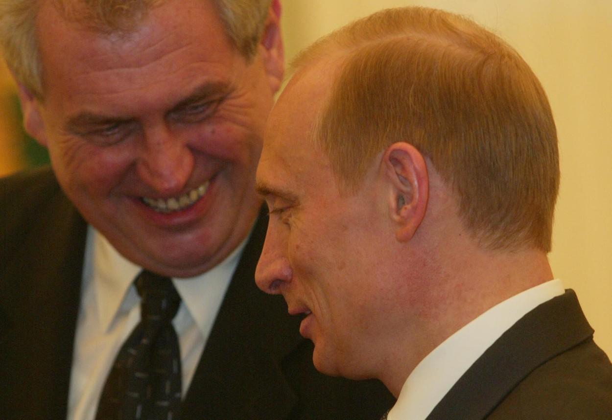 Komentář: 'Mají tam výbornou vodku, jen ať tam zůstane.' Měl by si Putin nechat Zemana?