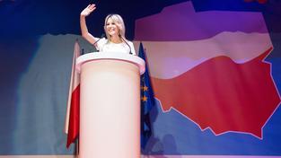 Magdalena Ogórek, blonďatá kandidátka na prezidentské křeslo, která Polákům slibuje sblížení s Ruskem
