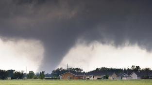 Stát Oklahoma postihla silná tornáda