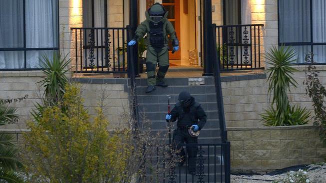 Policie našla v domě na předměstí Greenvale v severní části Melbourne několik podomácku vyrobených bomb