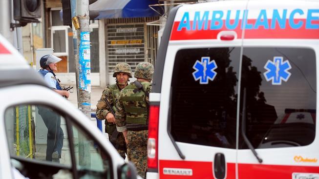 Při přestřelce s ozbrojenci zemřelo v Makedonii nejméně šest policistů, zraněny byly tři desítky lidí