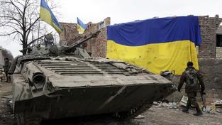 Ukrajinská vláda viní povstalce z toho, že se v Doněcké a Luhanské oblasti pohybuje těžká vojenská technika