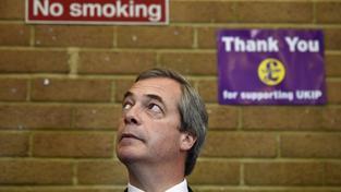 Nigel Farage patří k nejvýraznějším tvářím strany UKIP, možná i proto dál zůstává ve funkci