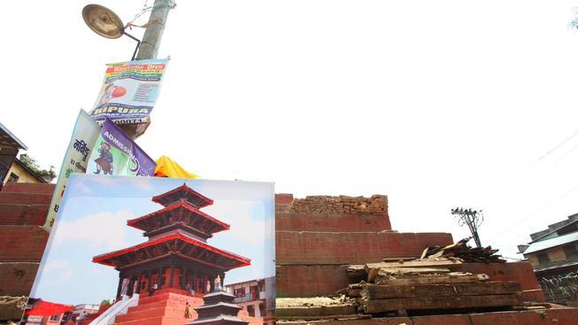 Nepál se stále vzpamatovává z dubnového zemětřesení, nyní ho postihlo další o téměř stejné síle