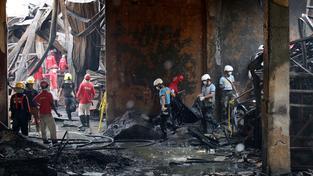 Neštěstí v Manile si už vyžádalo 72 obětí