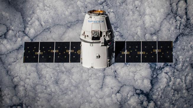 CRS-5 Dragon na orbitě