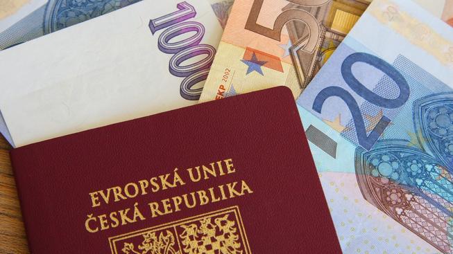 Vydání expresního pasu má stát 4000 korun (ilustrační snímek)
