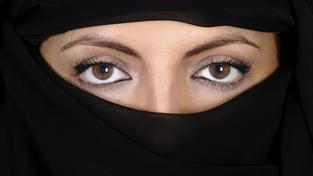 Ilustrační snímek: Afghánská žena byla lynčována, protože údajně spálila Korán.