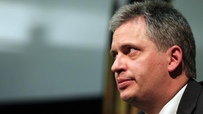 Ministr Dienstbier už hledá náhradu za zaměstnance Agentury pro začleňování, kteří odešli