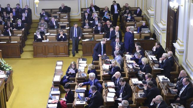 Poslanci budou hlasovat o důvěře vládě (ilustrační snímek)
