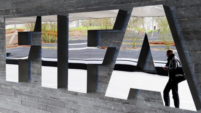 FIFA čelí velkým nepříjemnostem. Co v následujících dnech ještě vyplave na povrch?