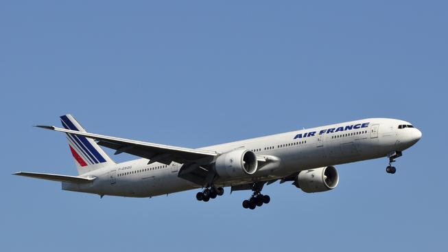 Na palubě Boeingu 777 společnosti Air France bylo v době incidentu 37 lidí (ilustrační snímek)