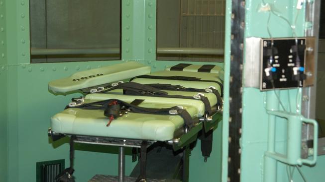 Spojené státy čelí dlouhodobě kritice kvůli popravám. Na snímku popravčí komora v kalofornském vězení San Quentin