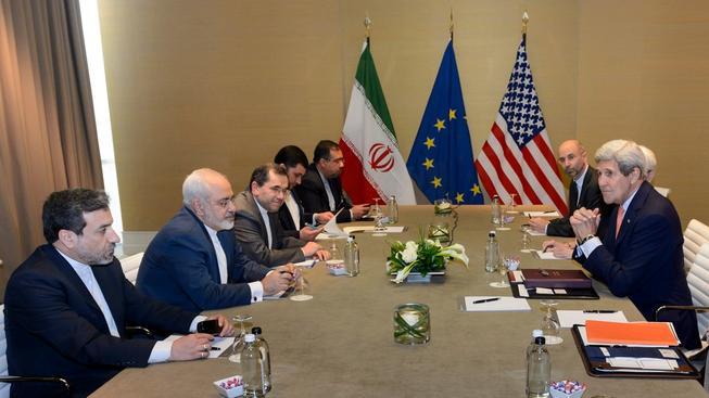 V sobotu o dohodě jednali íránští představitelé s americkým ministrem zahraničí Johnem Kerrym.