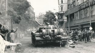 Srpen 1968, Praha; dobový snímek
