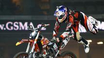 Freestylový motokrosař Petr Pilát zase trénuje, pomáhá mu i Landa
