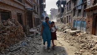 Během zemětřesení zemřelo více než 8600 lidí