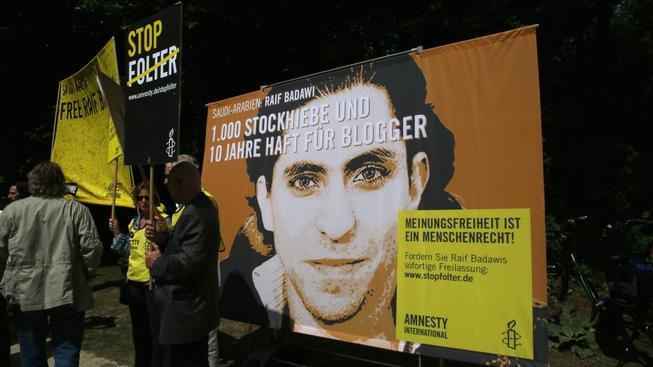 Vysoký trest za svobodu projevu vyvolal protesty napříč světem. Byly však neúspěšné