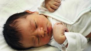 Gang kradl novorozence přímo z nemocnic (ilustrační snímek)