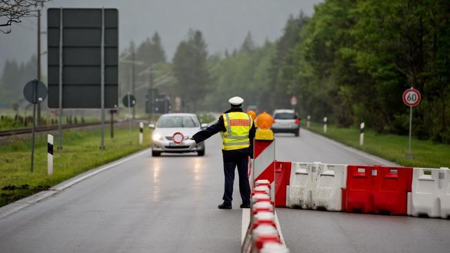 Německá policie v souvislosti se summitem G7 zkontrolovala na hranicích zhruba 110 tisíc lidí