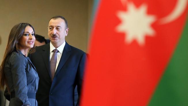 Prezident Alijev s manželkou