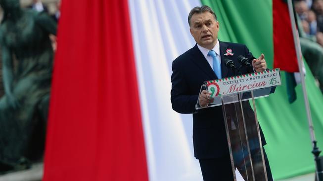 Vláda premiéra Viktora Orbána vede vlastní plakátovou kampaň proti imigrantům