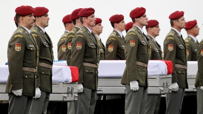 Převoz ostatků zabitých českých vojáků zpátky do vlasti