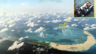 Letecké snímky čínské stavby na Spratleyho ostrovech pořízené filipínskou armádou