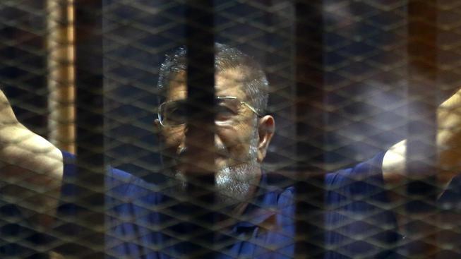 Egyptský exprezident Muhammad Mursí unikl trestu smrti
