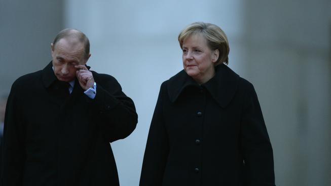 Časy rusko-německého přátelství jsou dávno pryč. Ze sankční jámy Putinovi německá kancléřka jen tak nepomůže