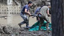 Spoušť po povodni v zoo v Tbilisi