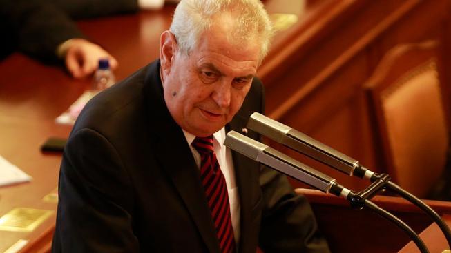 Miloš Zeman podpořil nový zákon o prokazování původu majetku a odmítl uprchlické kvóty