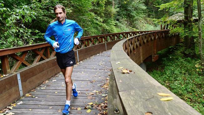 Daniel Orálek běhá a běhá...