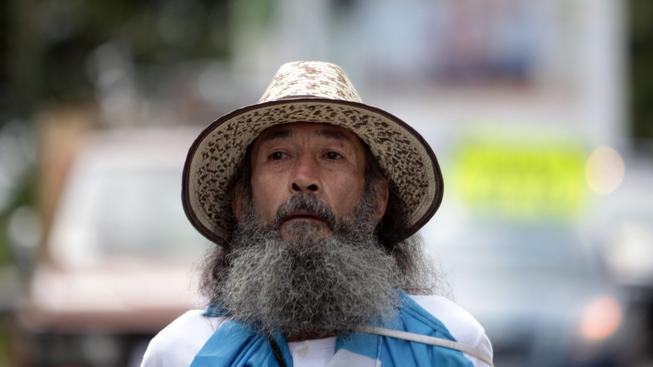 Dvaašedesátiletý Oswaldo Ochoa ušel 200 kilometrů do hlavního města Guatemaly, aby protestoval proti korupci. Stal se z něj hrdina