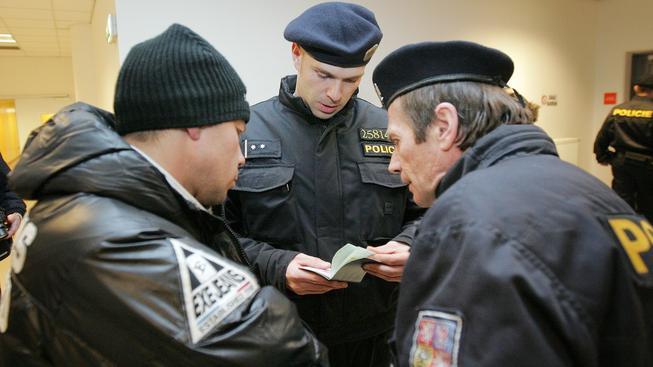 Česká policie zvýšila počet kontrol, zaměřených na nelegální běžence